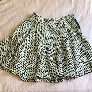 Zara skirt with pockets ..barely worn